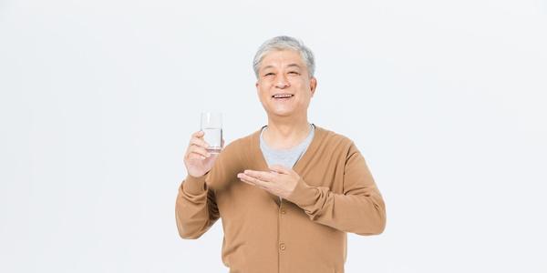 寿命长的男人,晚上常有六个共性,若你六个都有,恭喜很健康