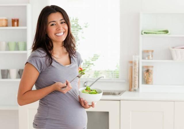 8张孕妈的真实生活图,这些心酸当妈的才懂,什么是为母则刚