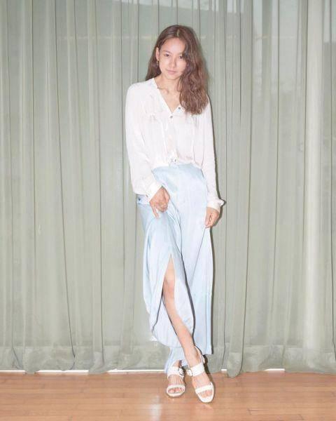 韩国天后级人物李孝利晒新look,宣传手工凉鞋带货能力一级棒!