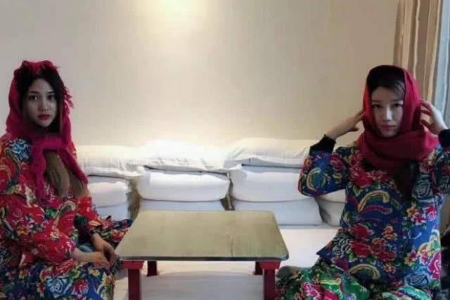 原创             东北人全家都睡在一个炕上,新婚夫妻会不好意思吗?看来多虑了