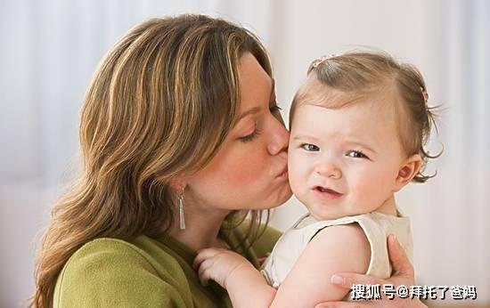 原创6个月宝宝被婆婆亲吻,患脑膜炎离世,你还在胡乱亲孩子吗?