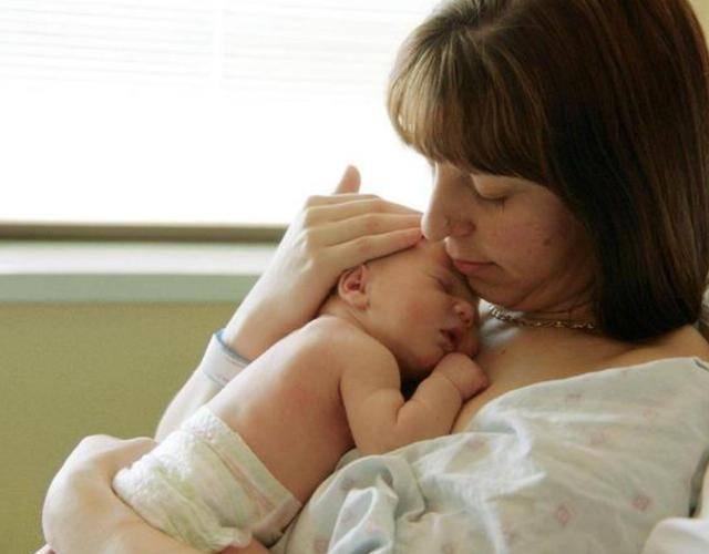 1岁内宝宝独有的几种反射,若超这一时间没消失,可能是脑损伤