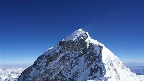 珠穆朗玛峰有多高 为什么非要人力给珠峰测身高