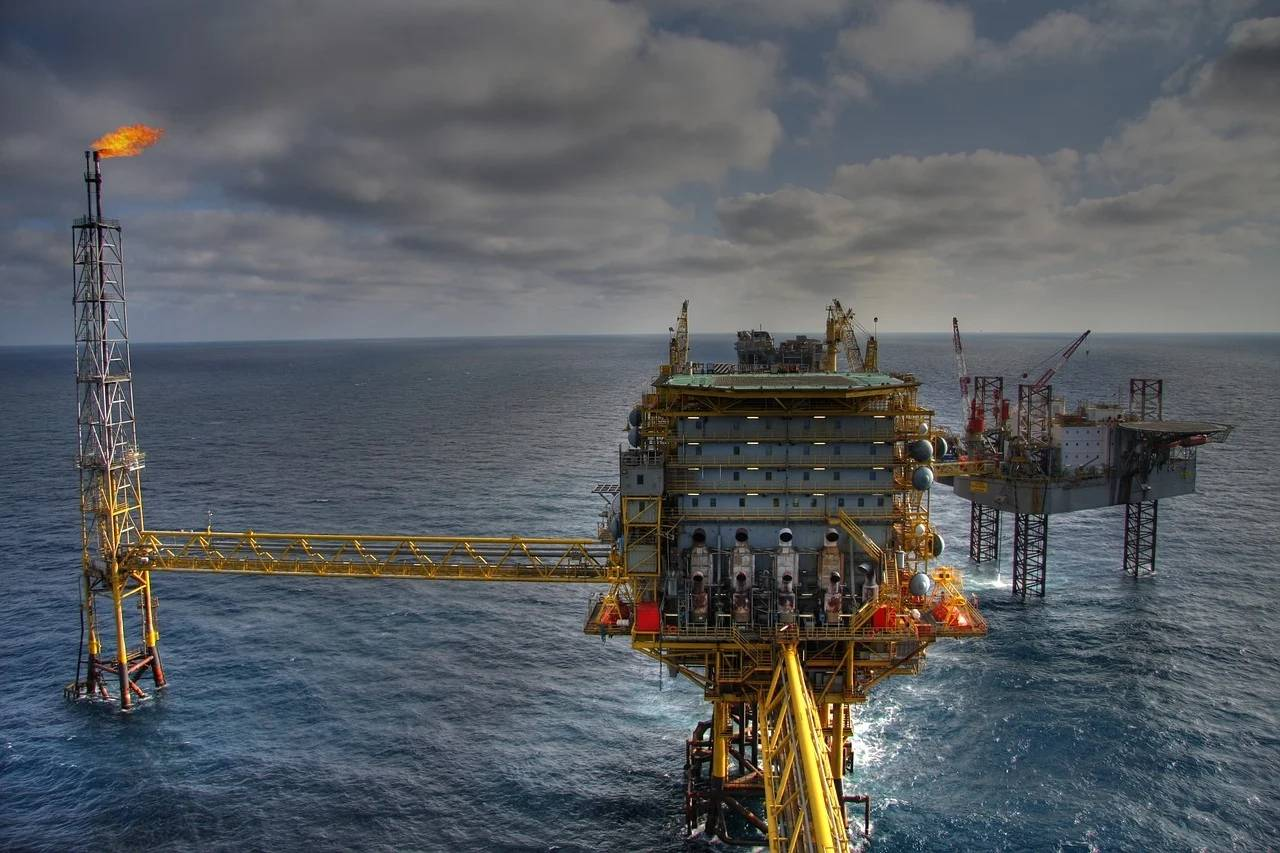 美原油收复价格战以来所有跌幅,油价大涨原因何在?加油要贵了?