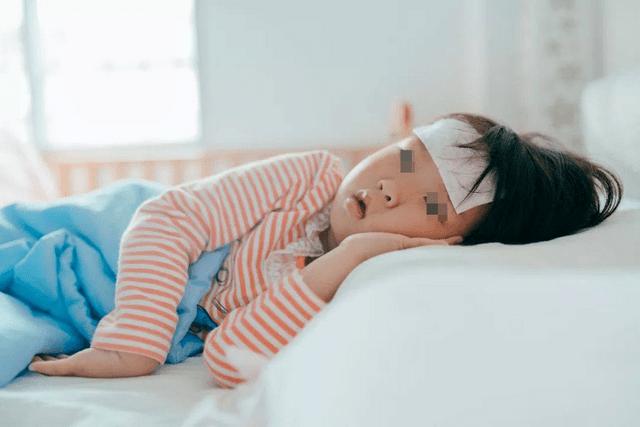 夏季酷熱,小孩體質脆弱更易中暑,家長應如何做好預防?