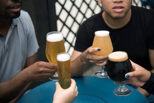 原创三天喝一次酒一次喝三杯,和天天一杯酒,哪个对肝脏损伤大?