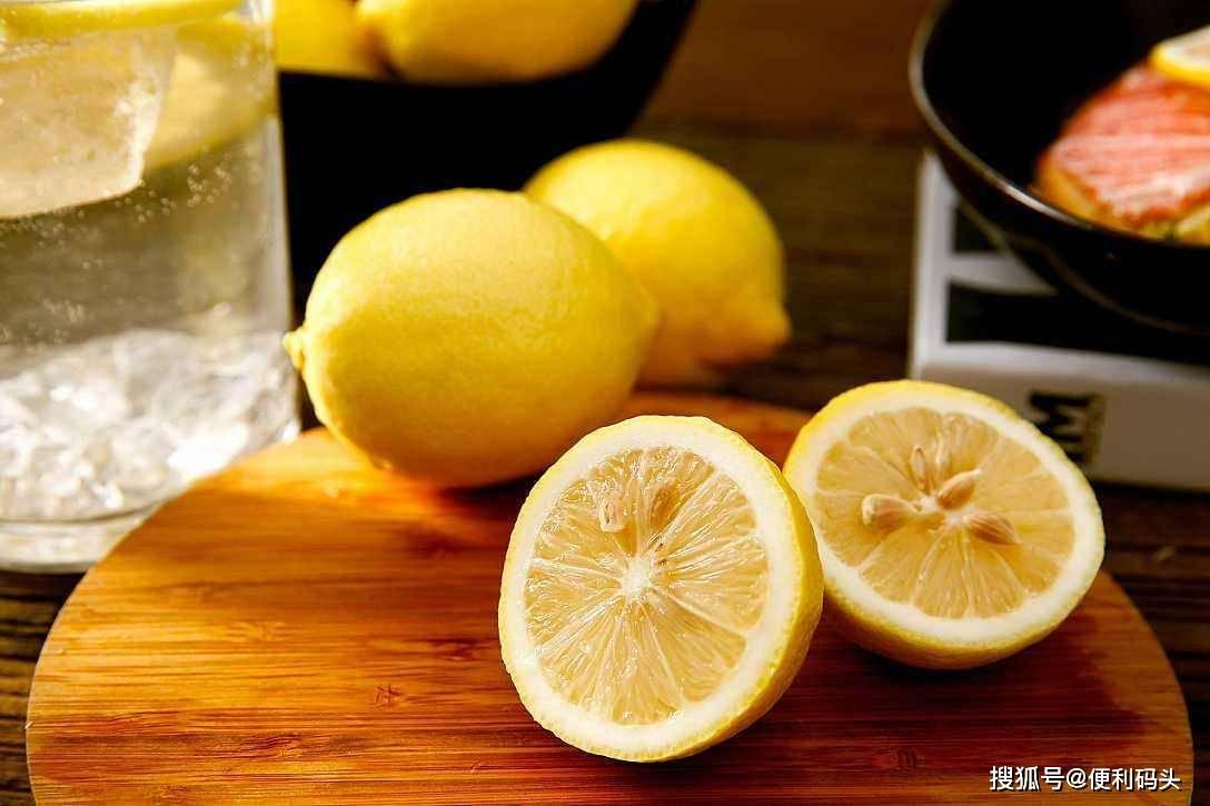 要泡柠檬水,怎样清洗柠檬最好?