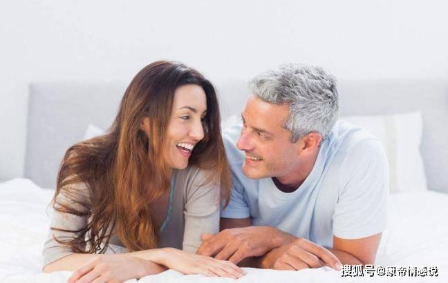 原创男人过了五十岁,会对什么样的女人动情?三个男人说了实话