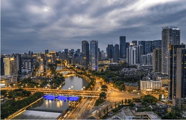 """中国""""新一线城市""""排名出炉,昆明、宁波遗憾落选,让人感到无奈"""