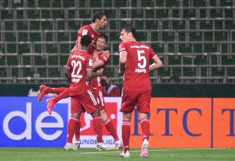 德甲-莱万破门阿方索染红 拜仁1-0提前