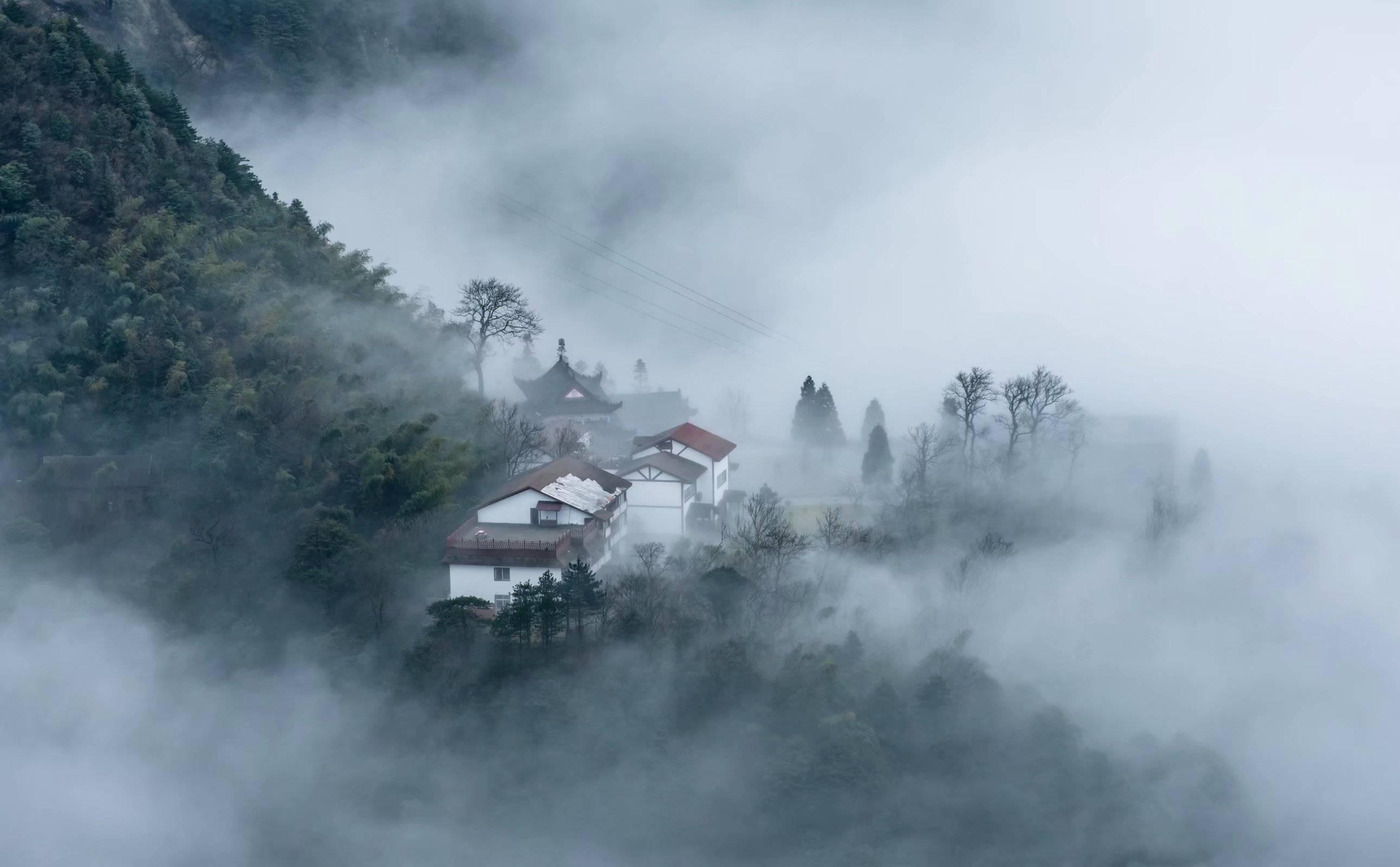 江西萍乡武功山徒步穿越最全路线|萍乡武功山露营与登山装备清单