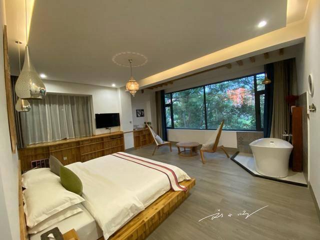 原创             在云南西双版纳,300元一晚能住怎样的民宿?游客表示:不可思议