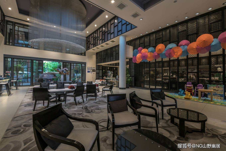 原创             看似普通酒店大堂吧,实际是专业餐厅,名字诗意且菜品上乘
