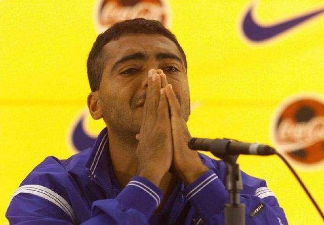 马拉多纳谈罗马里奥:我们国脚生涯晚期被淘汰,不耽误拯救国家队 国际新闻 第4张