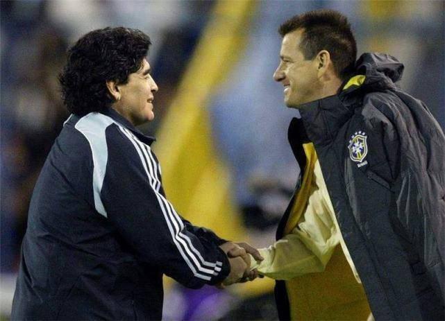 马拉多纳谈罗马里奥:我们国脚生涯晚期被淘汰,不耽误拯救国家队 国际新闻 第1张