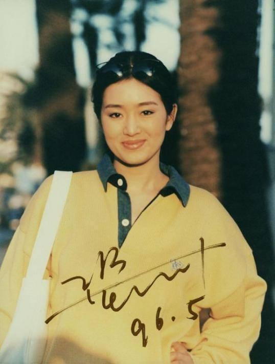 中国女星的名片,无数后辈向她致敬