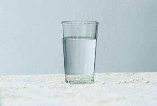 早上淡盐水晚上蜂蜜水,是最养生的方式?营养师说出了大实话 营养补剂 第3张