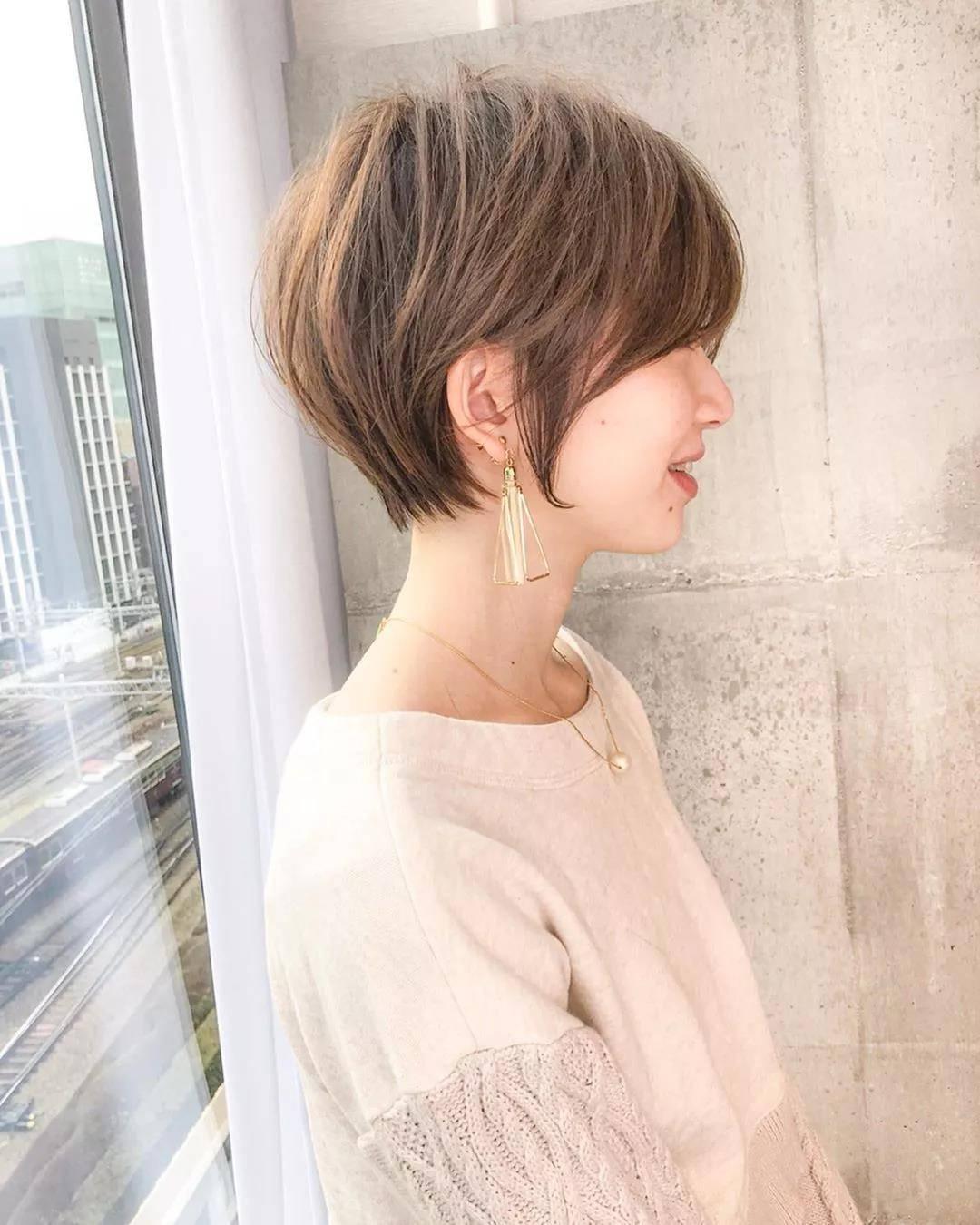 30一40岁女人发型短发最新流行减龄气质发型!