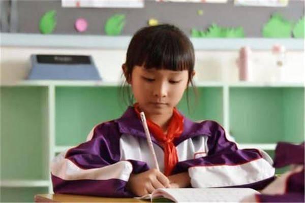 小学生的数学学习,需要培养创造性思维,抓住这四点可以事半功倍