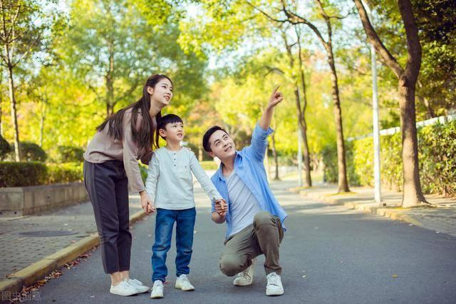 【孩子】就是不愿意说出来?妈妈掌握这4招,让孩子爱上说话,孩子听得懂