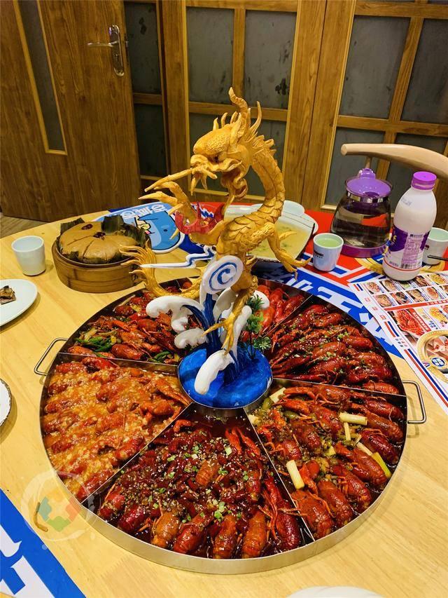 从中关村到重庆卖小龙虾,一只至少一两二,老板太执着了