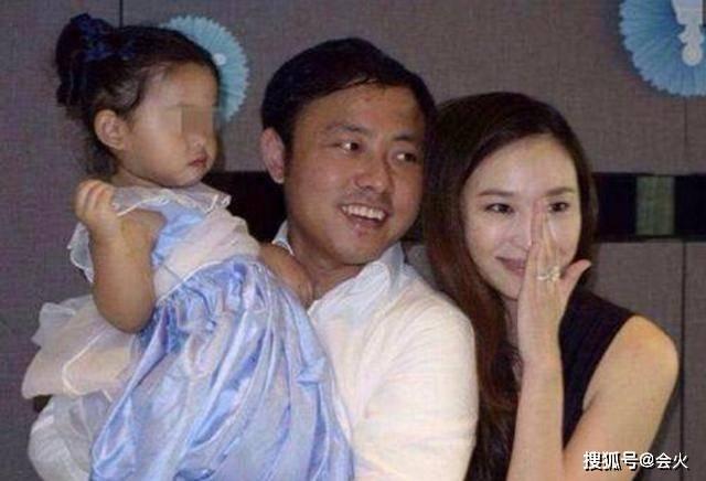 再生 原创生完4子仍未嫁入豪门!41岁吴佩慈称不会再生了,网友表示太心疼
