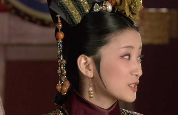 《甄嬛传》中智商最不在线的嫔妃,能够活过三集也是奇迹了
