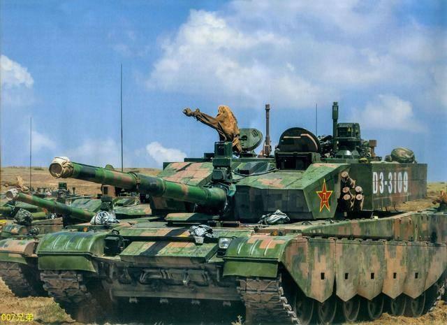 原创            为何中国坦克炮会有一块布, 而欧美坦克却没? 影响战斗力吗?