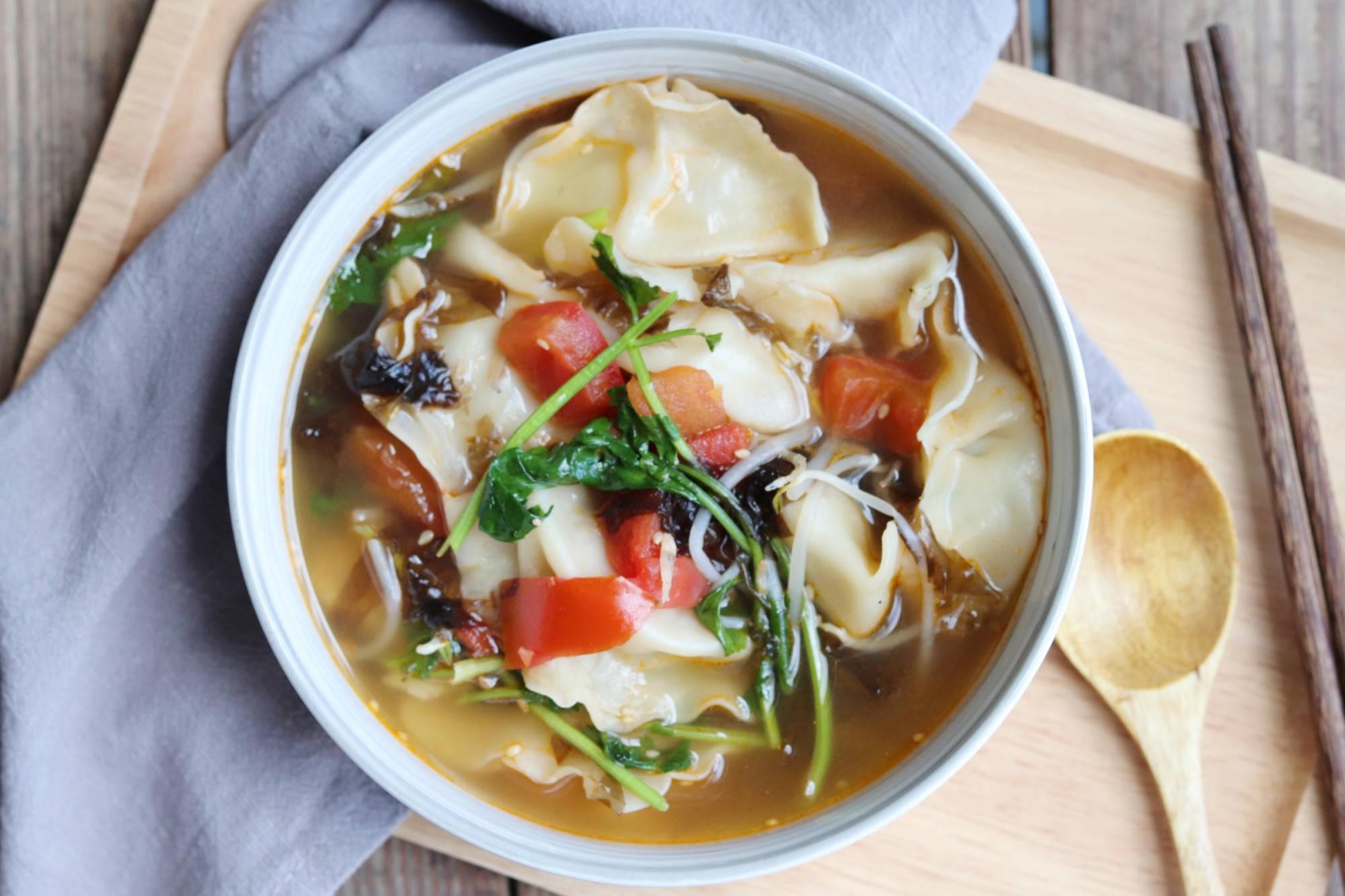 夏天我家饺子就爱这吃法,酸爽开胃做法简单,比吃凉面还舒坦