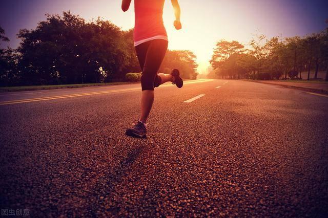 每天坚持快走1小时的人,你能获得多少好处呢?