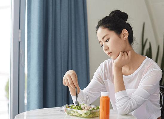 喝DZC杜哲蔻果蔬醇露减肥,狂瘦不反弹,还不用饿肚子