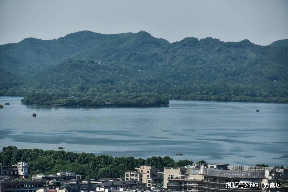 杭州街拍:人间天堂不单是西湖胜境,还有都市范的市井风貌