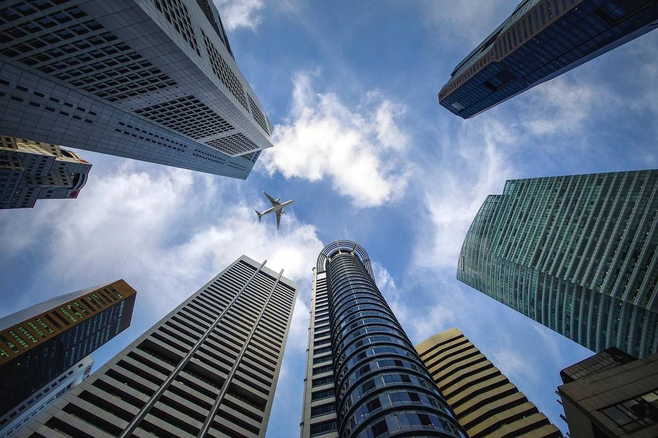 国家开会对房地产定调,中国房地产的未来到底该怎么看?_