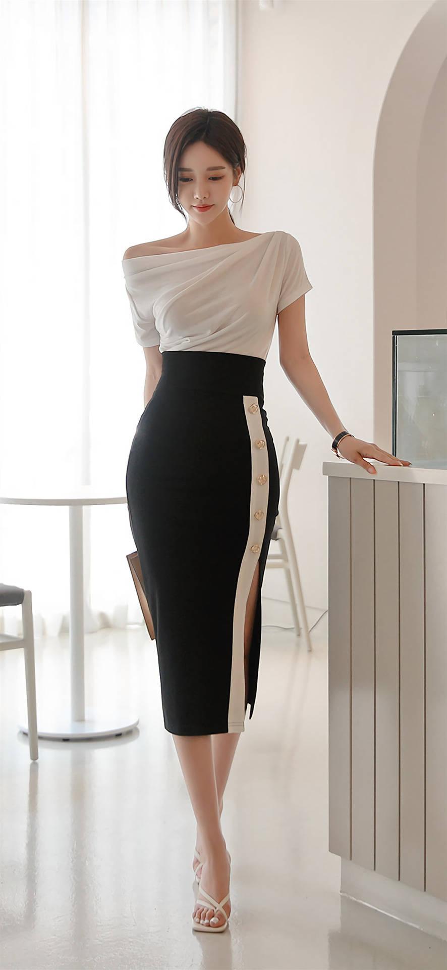 韩国女神孙允珠 黑白色拼搭 更显高贵气质,美出天际了