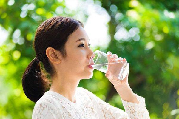 """胃最爱你喝这4种""""水"""",若你能接受,不妨经常喝,螺旋杆菌绕道走!"""