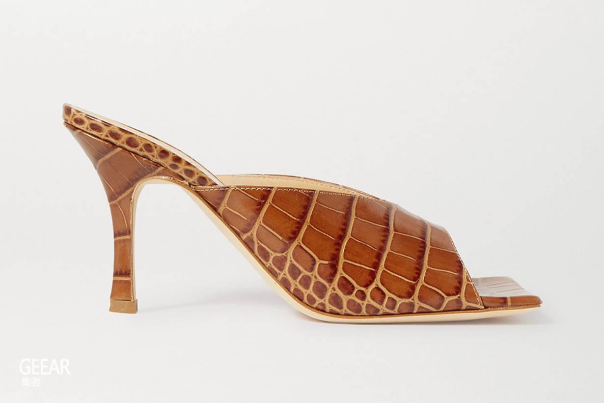 原创 凉鞋不能随便穿:本季流行的就是这个简约贵气的方头设计!