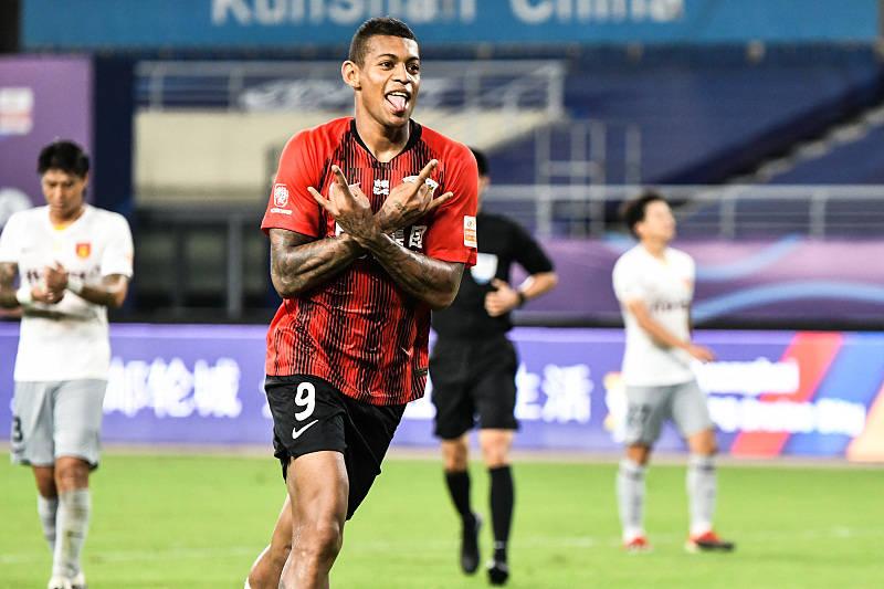 中超前2场比赛进4球,却仅花了546万欧,上海上港赚大了!