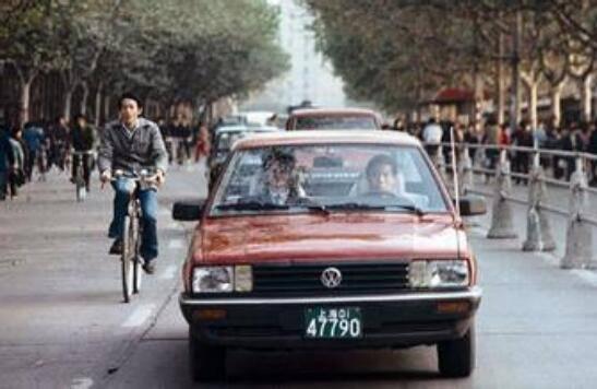 90年代初桑塔纳相当于现在买什么车?