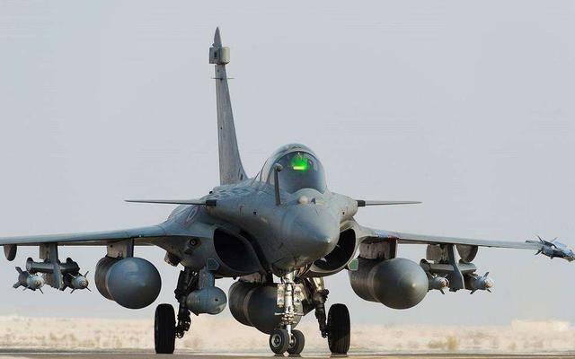 印度阵风能媲美歼-20?到货不到一周原形毕露,毁掉达索的清白