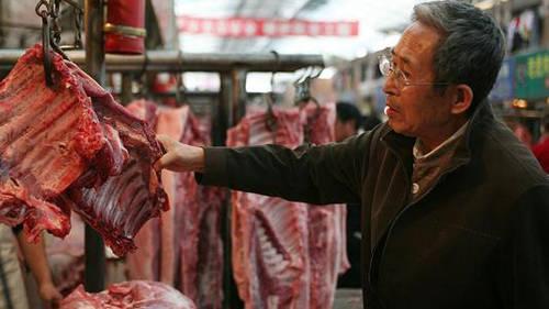 原创             猪肉价格持续下跌!10元时代何时到来?专家提出看法!