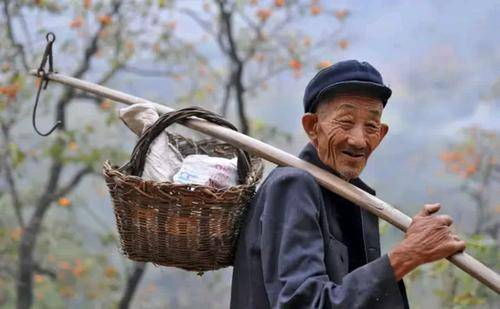 过50岁后的人,少吃瓜子花生多吃这3类美食,胜过大鱼大肉