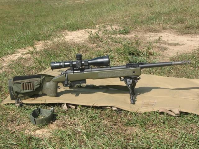 狙击枪1200米威力有多大?外国小哥用10斤重大腿肉做了实验