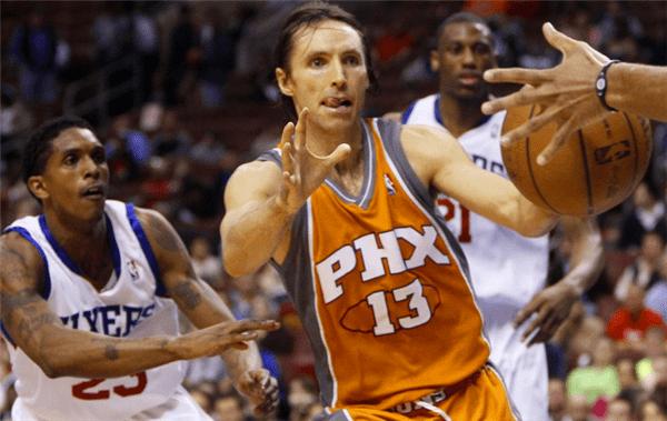 打了19年NBA,没有一次6犯离场,霍里不信邪,往他鼻子上揍了一拳!