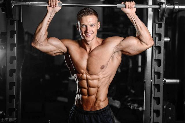 如何减掉肚腩、秀出腹肌?2个方法刷脂,让腹肌线条重现出来