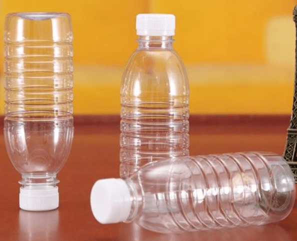 瓶底为内凹外观,可使塑料包装瓶长时间