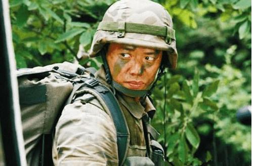 《士兵突击》让他成名,长得帅演技好得影帝,老婆还是日本美女!