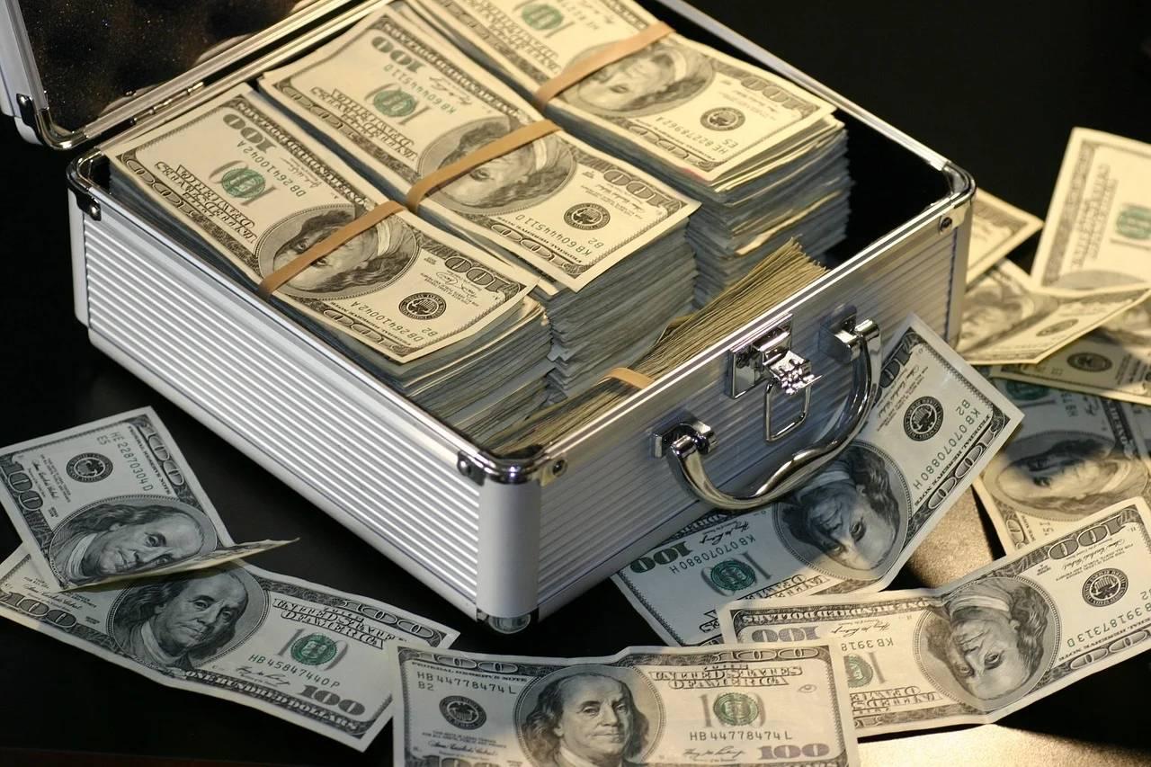 原创             人民币升值为何这么猛?人民币越来越值钱了是好事还是坏事?