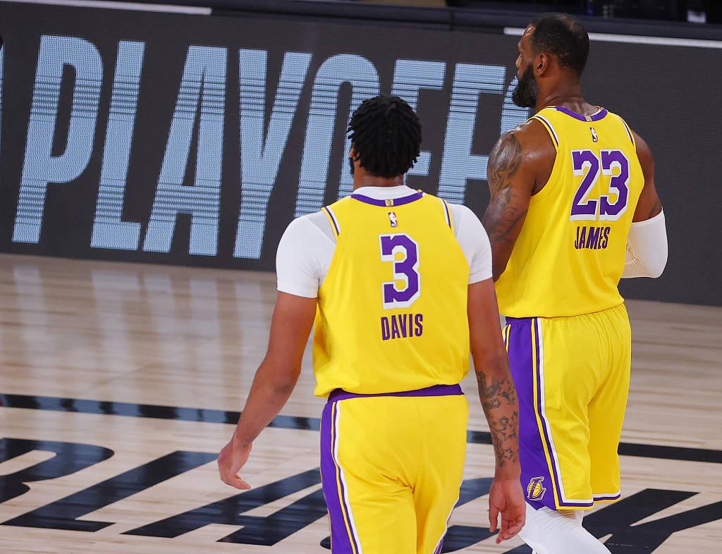 原创             NBA明日2场大战!火箭湖人4128天首度交手,常规赛冠军恐0-3落后