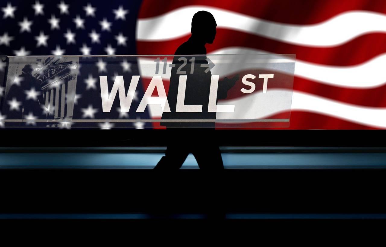原创             美股黑色星期四,十大富豪一夜损失四百亿,美股闪崩是怎么回事?