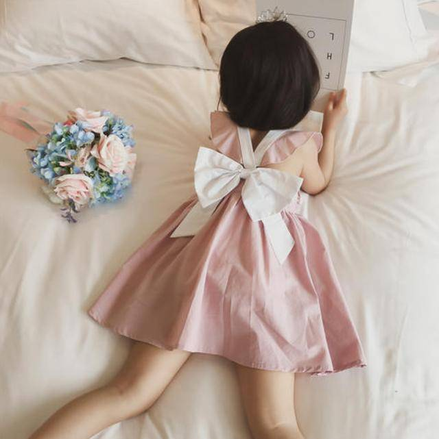 4岁女儿裙子被扯坏,宝妈原价索赔,3天后,女儿被全班孤立